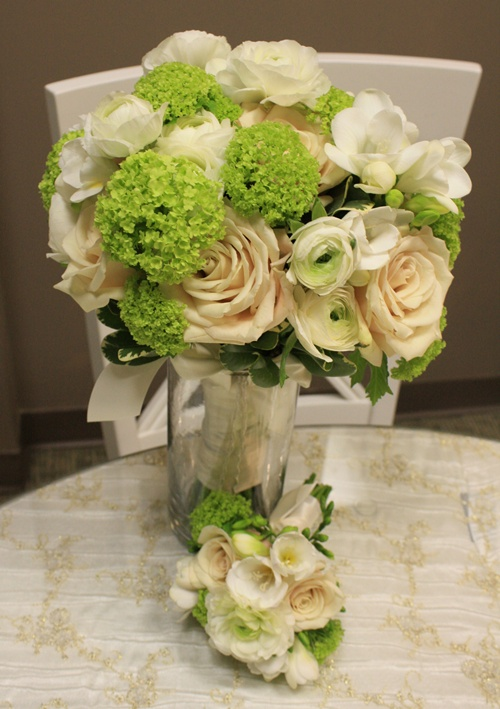 Viburnum/Rose/Freesia Bouquet